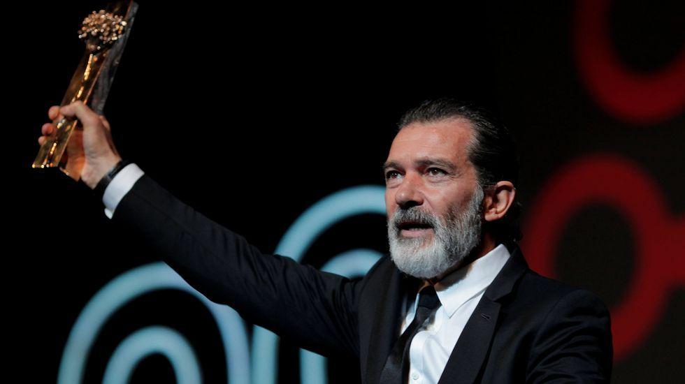 Amigos de David Delfín se despiden del diseñador.Antonio Banderas, en el Festival de Málaga