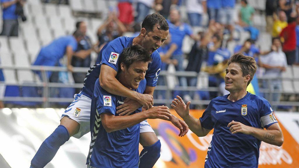 Jonathan Vila celeba un gol con Linares