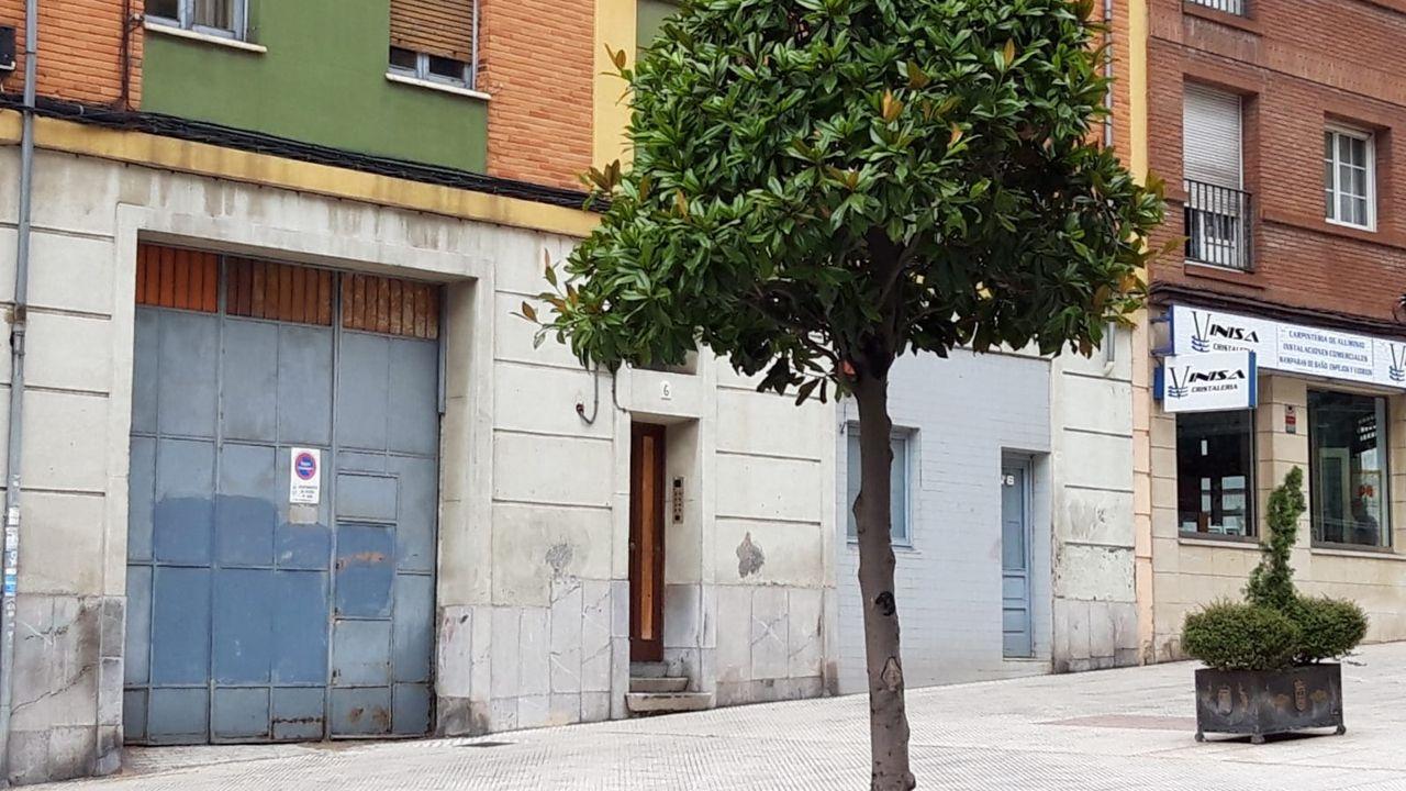 Almacen abandonado en Oviedo donde se encuentran los gatos encerrados