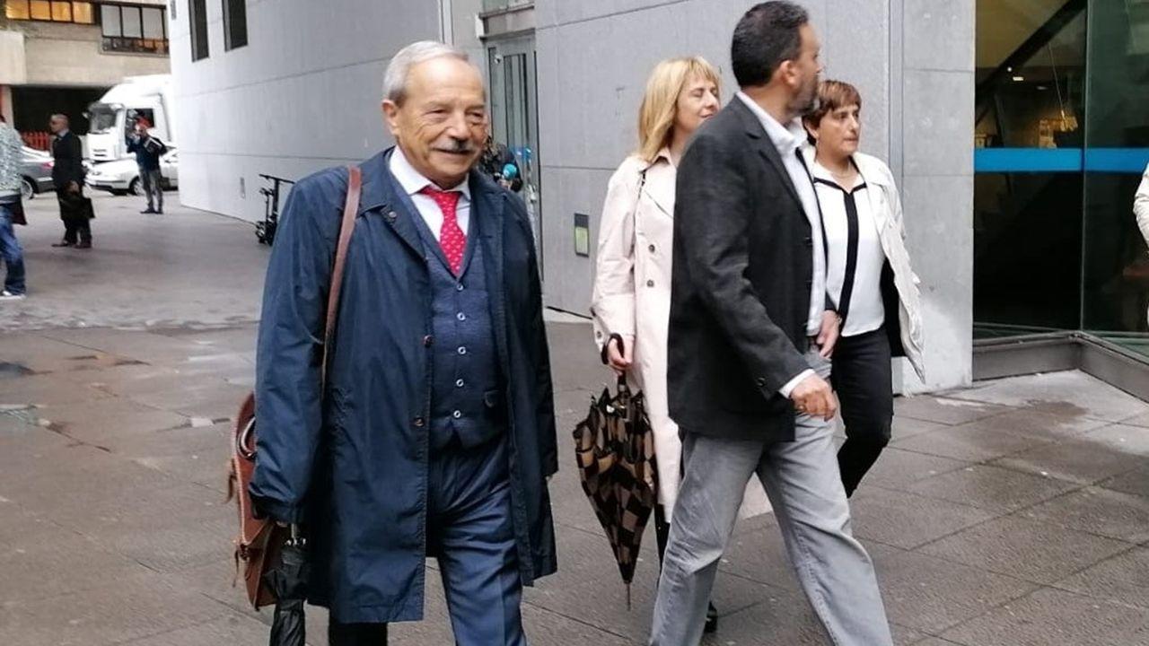 El exalcalde Wenceslao López y los exconcejales de Oviedo Ana Rivas, Ricardo Fernández y Marisa Ponga en loz juzgados en Oviedo