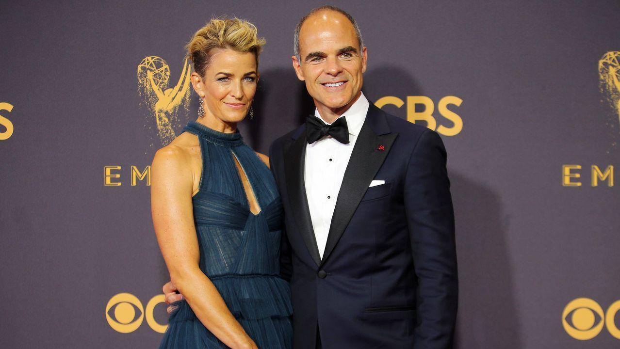 Michael Kelly y Karyn Mendel