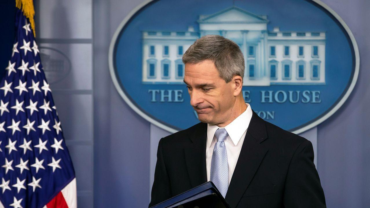 Ken Cuccinelli, director del Servicio de Ciudadanía e Inmigración de Estados Unidos, anunció las nuevas normas