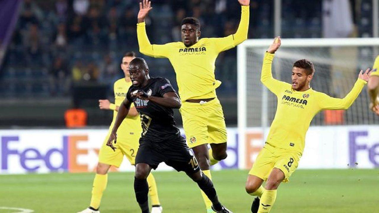 Aficion Real Oviedo Lugo.N'Diaye en un partido de Europa League con el Villarreal