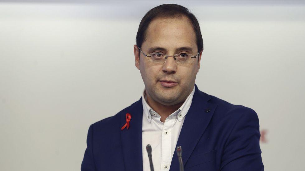 «Se abre una nueva etapa».Cesar Luena, durante la presentación de la campaña del PSOE.