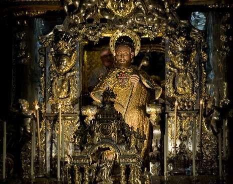 Brutal paliza en Santiago.La aureola del Apóstol era en aquellos tiempos de miseria un objeto demasiado llamativo.
