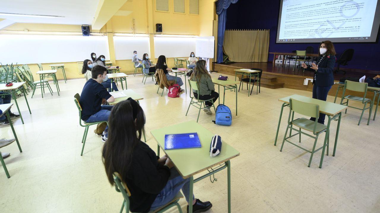 Regreso a las aulas en Ribeira.Comienzo de las clases presenciales en un instituto de Lalín, el Laxeiro