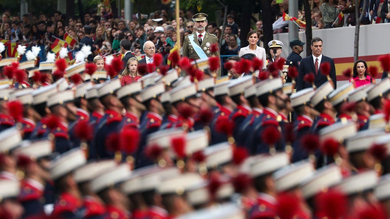 Desfile del Dia de la Fiesta Nacional: La familia real y el presidente del Gobierno