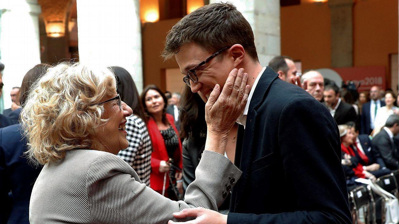 Errejón, en la foto con la alcaldesa de Madrid, Manuela Carmena