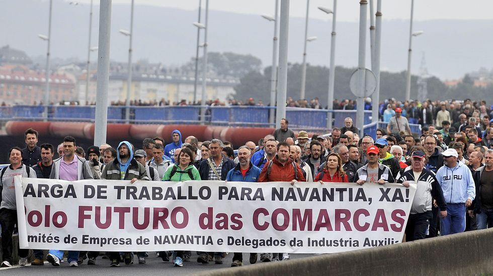 Protesta del naval con una caminata por los municipios de la ría.El astillero de Fene iniciará en breve la construcción de los jackets de Iberdrola