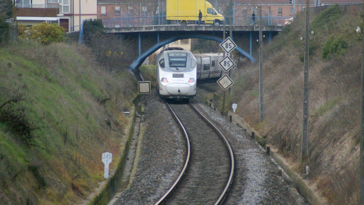 Accidentes aéreos en Galicia.Imagen del recorrido ferroviario urbano que se evitará cuando esté terminada la variante