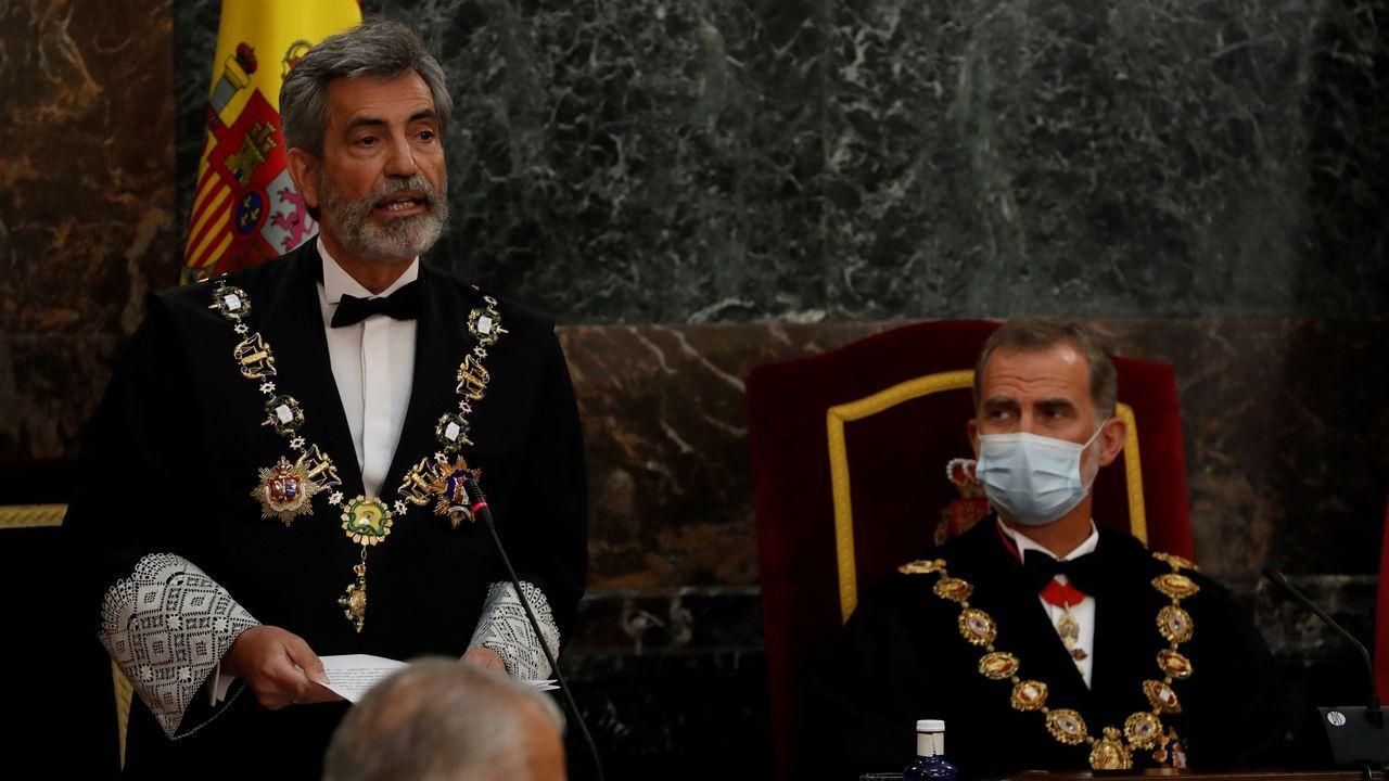 Carlos Lesmes, presidente del Consejo General del Poder Judicial, junto a Felipe VI