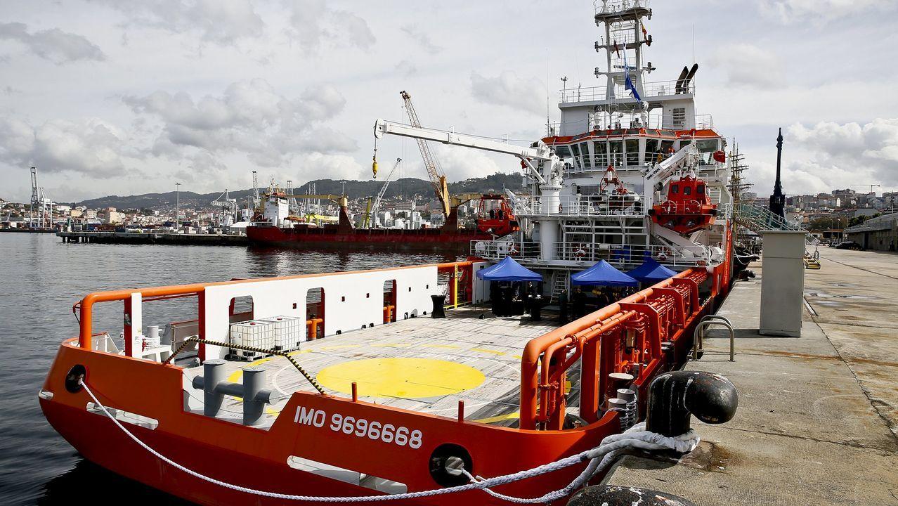 Barco de la agencia europea de pesca