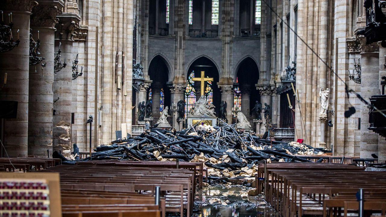 La estructura de Notre Dame permanece casi intacta y las dos torres se han salvado del fuego.FlixBus