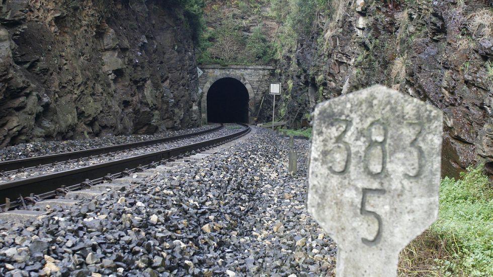 Una de las entradas del túnel de Oural, que será transformado en una galería de evacuación para posibles emergencias