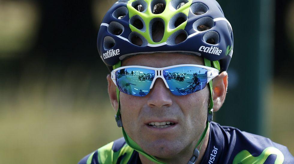 Alejandro Valverde (Movistar Team), que desarrollará un papel secundario por la presencia del joven colombiano, también se ejercitó esta mañana en Utrecht.