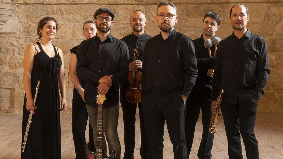 Componentes de Vertixe Sonora actuarán esta tarde en el Gustavo Freire, junto a Javier Martín, en el espectáculo «Brumario»