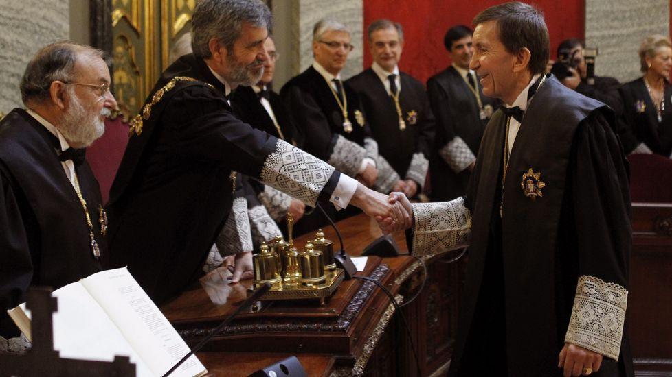 Cifuentes: «El tiempo de los corruptos ha llegado a su fin en la Comunidad de Madrid».Manuel Moix, saluda al presidente de este Tribunal Supremo, Carlos Lesmes