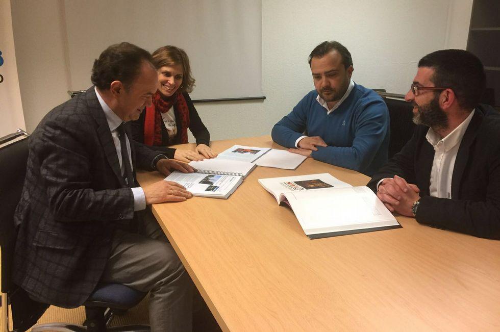 Crespo, Castro, Cuíña y Vilariño en la reunión de ayer en Santiago.