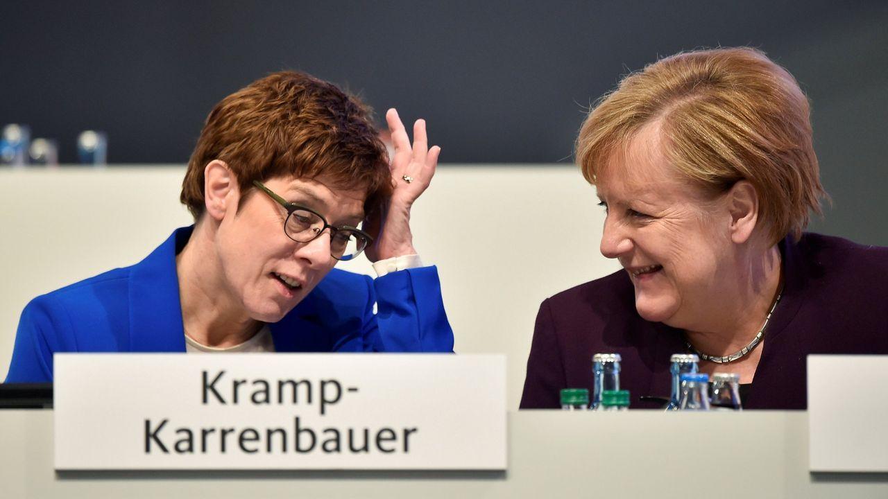 Kramp-Karrenbauer y Merkel en la convención de la CDU celebrada el noviembre en Leipzig