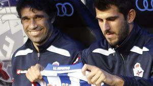 Nelson y Valeron.El deportivista Pablo Álvarez y el céltico Placente, en un lance del último derbi en Primera, el 15 de abril del 2007.