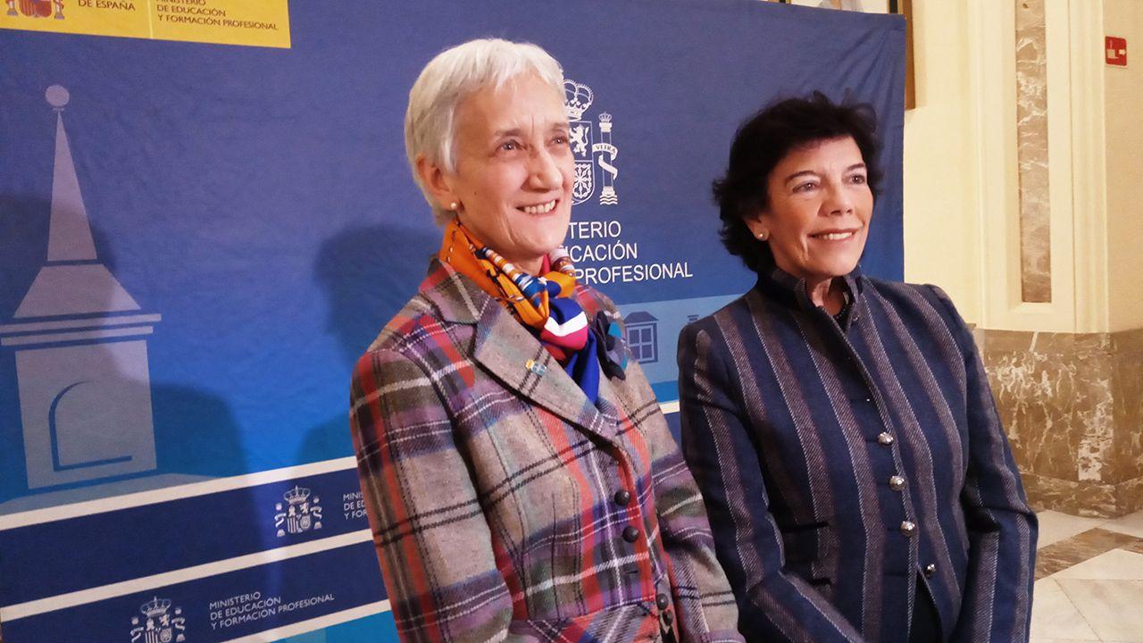 El escritor asturiano Xuan Bello.La consejera de Educación de Asturias, Carmen Suárez, y la ministra de Educación y FP, Isabel Celaá, tras reunirse este miércoles en Madrid.