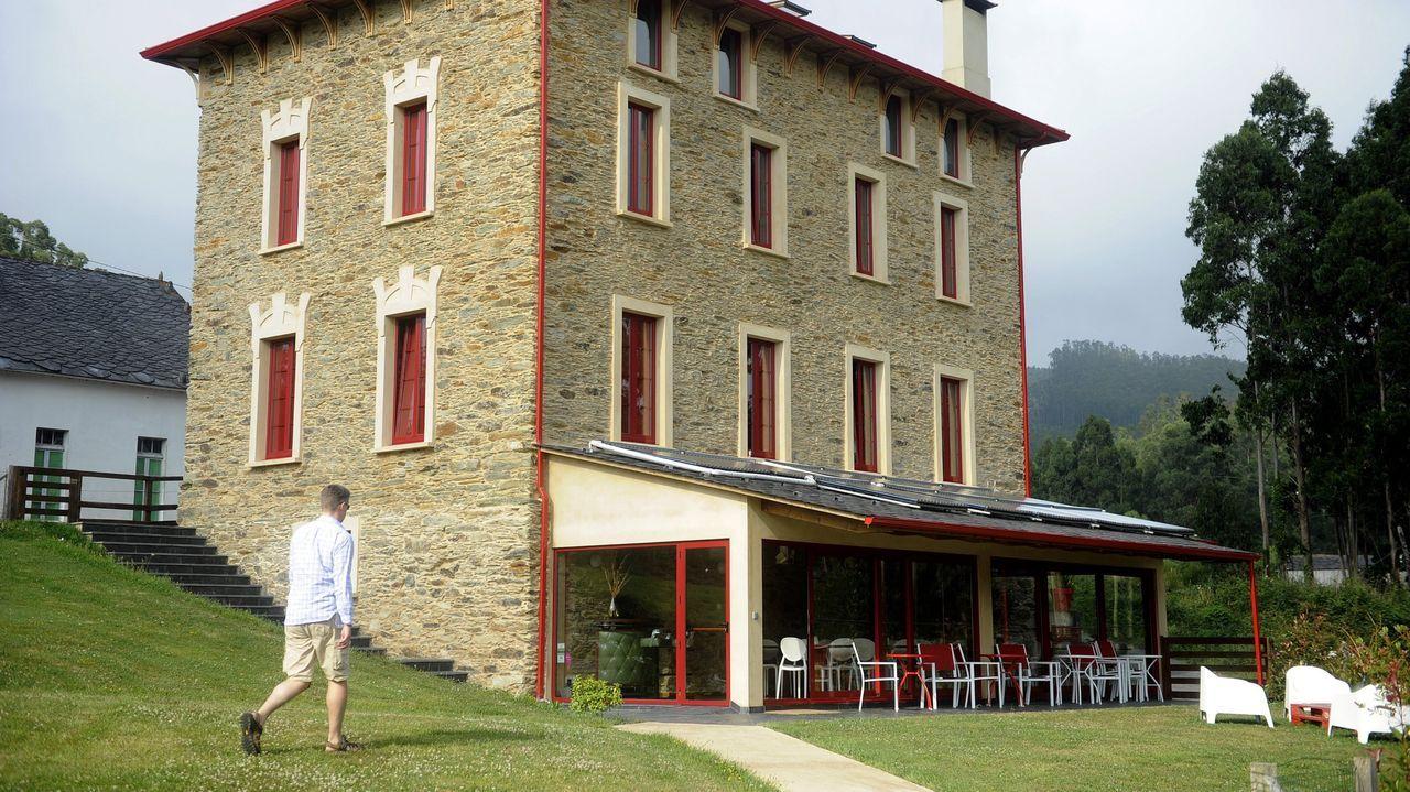 Casa rural El Castaño Dormilón, en O Baleo, en Ortigueira