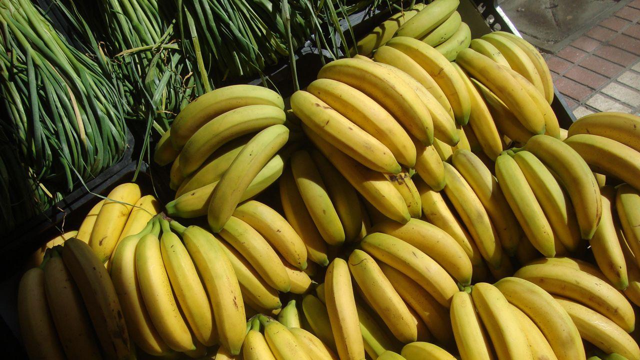 Vigo tendrá sus Navidades top pero «100% seguras» frente al covid-19.Plátanos de Canarias