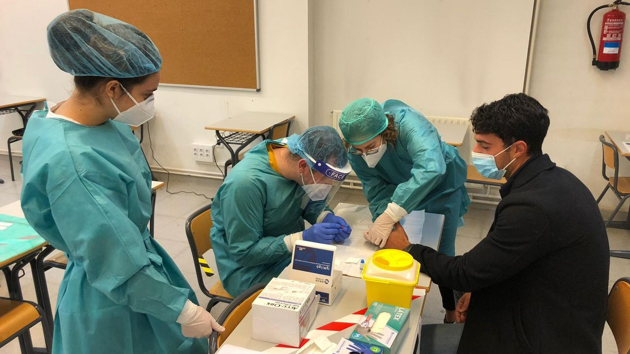 Las pruebas ya se están realizando a los alumnos del campus de Ferrol