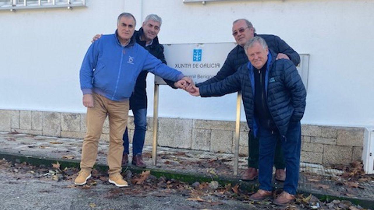 Brindis y premios en la comida navideña de Ribeira Sacra.Obras de mejora del firme de la carretera N-540, este lunes en la travesía de A Barrela (Carballedo)