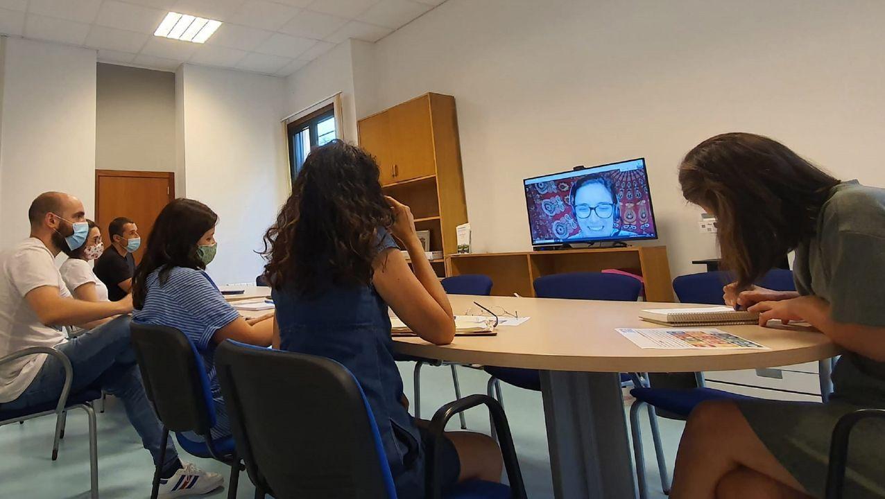 Reunión entre el Concello de Cabanas y el Fondo Galego de Cooperación e Solidariedade
