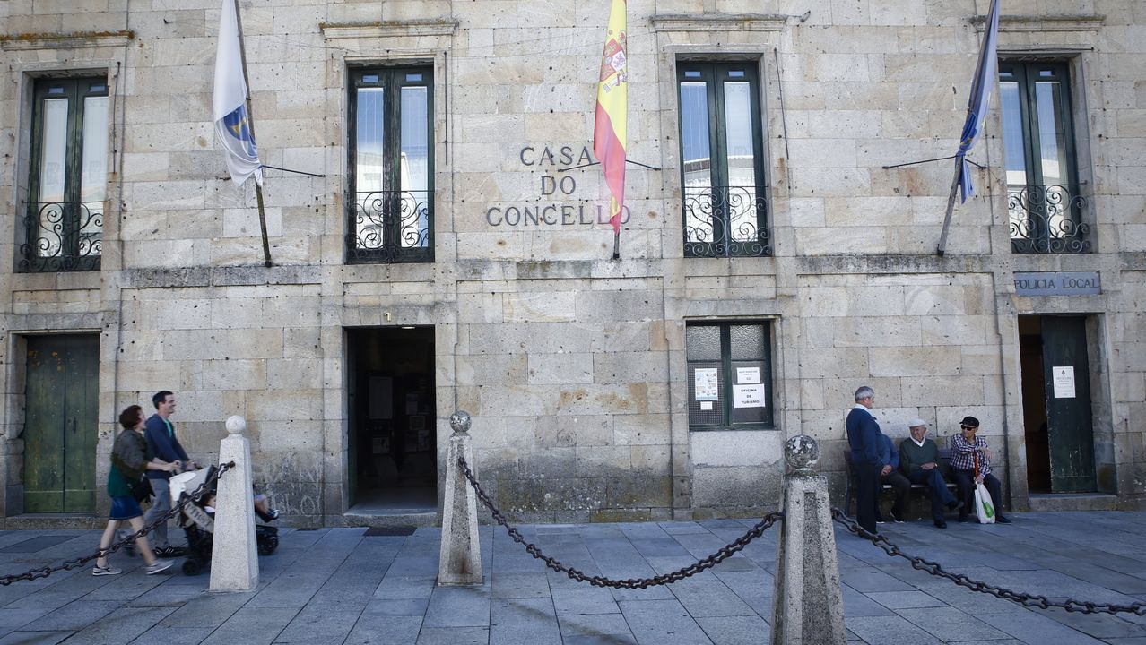 Las imágenes de la etapa entre Mos y Puebla de Sanabria.Los alumnos de primaria del Curros Enríquez comen separados a metro y medio de distancia