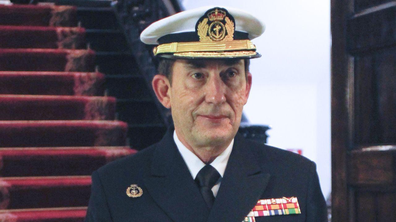 Así fue la entrega del premio Soldado Idoia Rodríguez.Un tripulante del Hespérides en el buque antes de que tuviese que regresar a Las Palmas