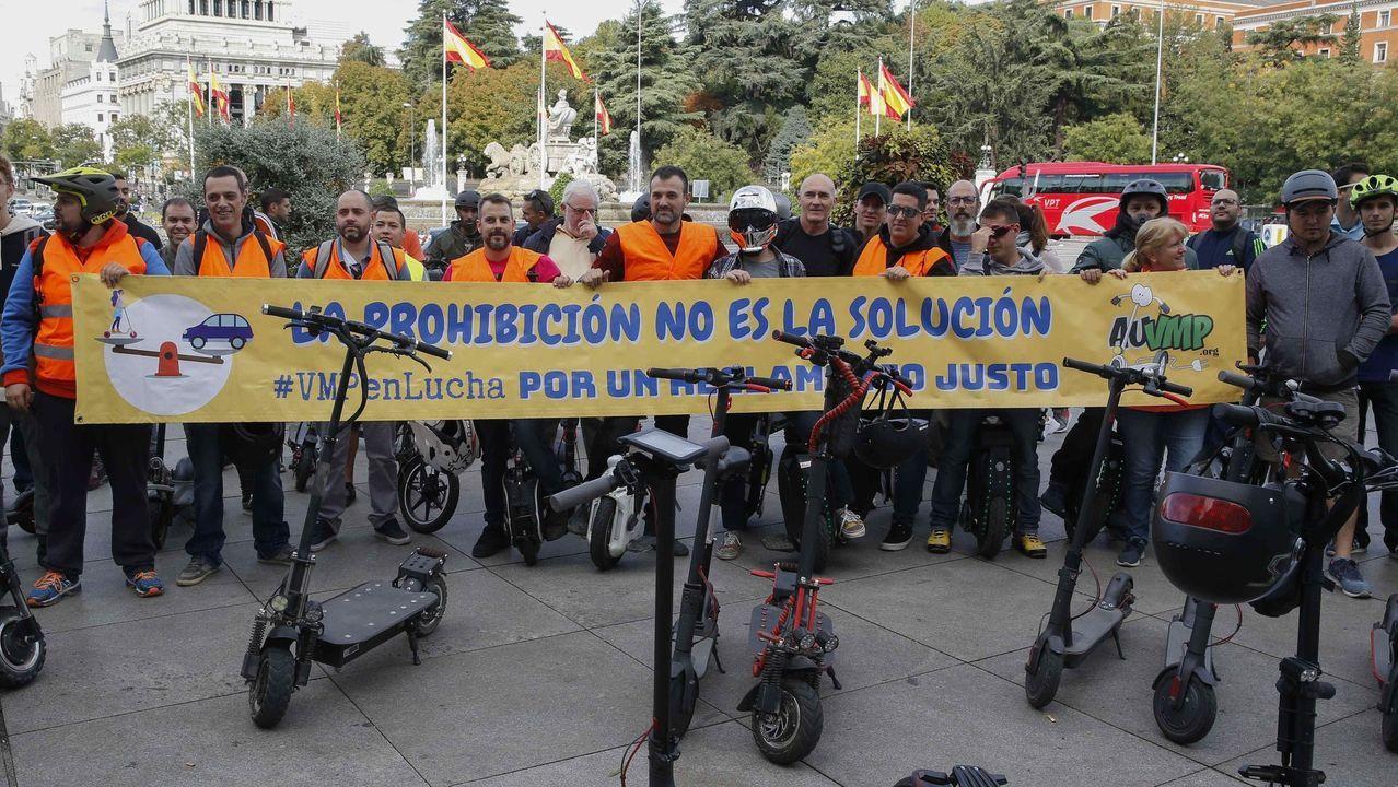 CONTRA LAS RESTRICCIONES. No todos esperan que se apruebe la regulación de la DGT. En Madrid, grupos de usuarios se manifestaron contra las prohibiciones que prepara Tráfico.