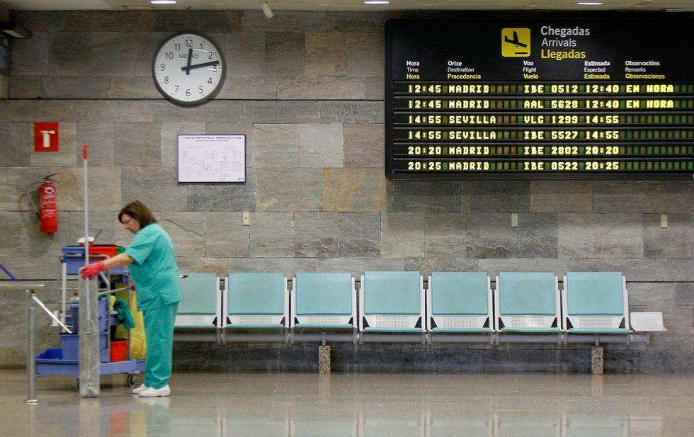 De los 26 vuelos internacionales que operan en Galicia, solo dos salen de Alvedro.