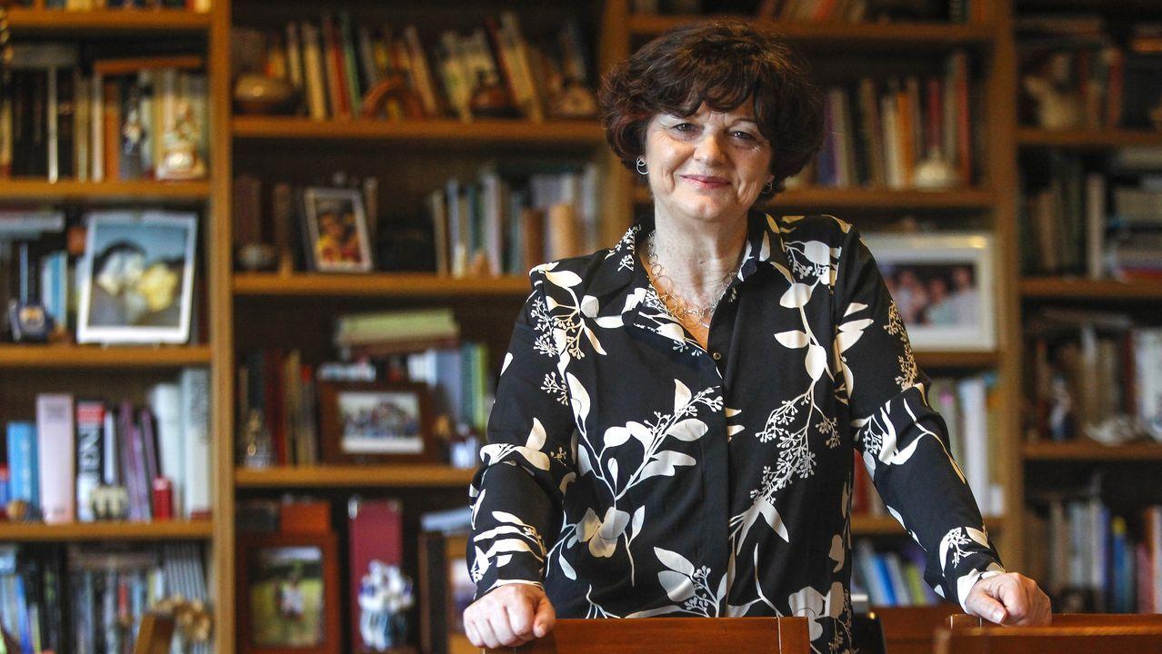 Ponte Far mostra o libro «Escritores universais», que vén de publicar en Medulia