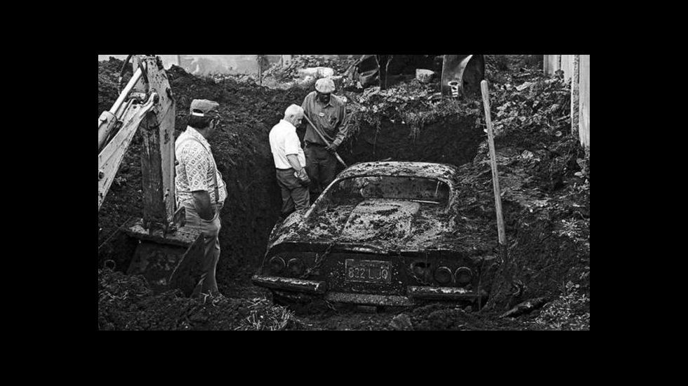 Ferrari Dino 246 GTS enterrado en Los Ángeles