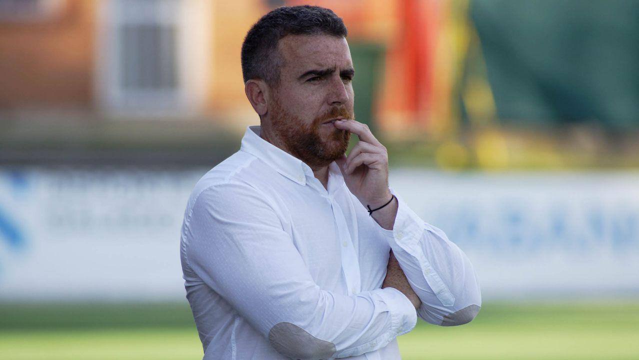 El jeque árabe Nasser Al-Al Attiyah, feliz de entrenar en Vimianzo