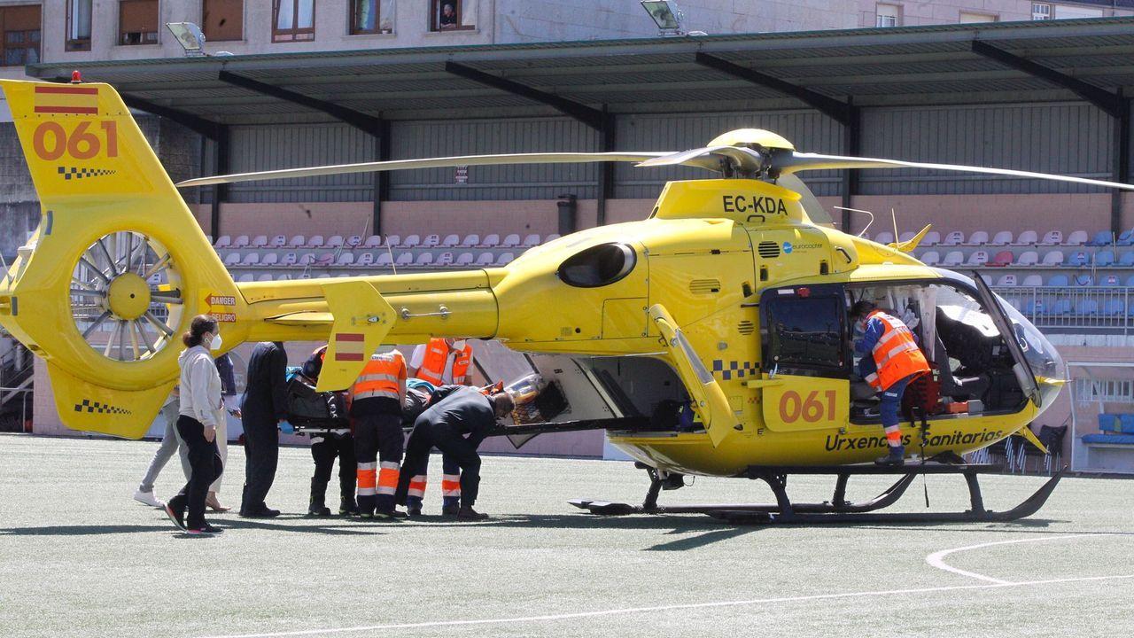 Un motorista es trasladado en helicóptero desde Barrantes tras sufrir un accidente