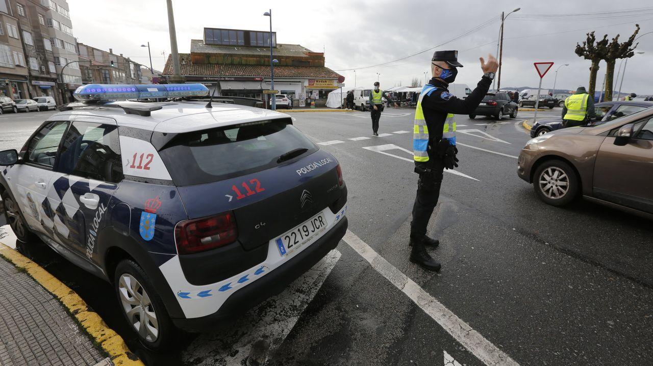 La policía local de Cambados no baja la guardia; once multas por compartir coche.Juan Guaidó, durante un acto en Caracas