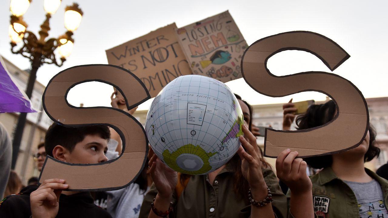 Marcha en defensa del clima.La nube contaminante sobre Gijón y Carreño que denuncia la Coordinadora Ecoloxista