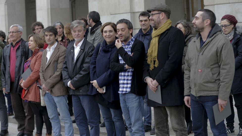 Encierro de los marineros del cerco en el Ayuntamiento de A Coruña