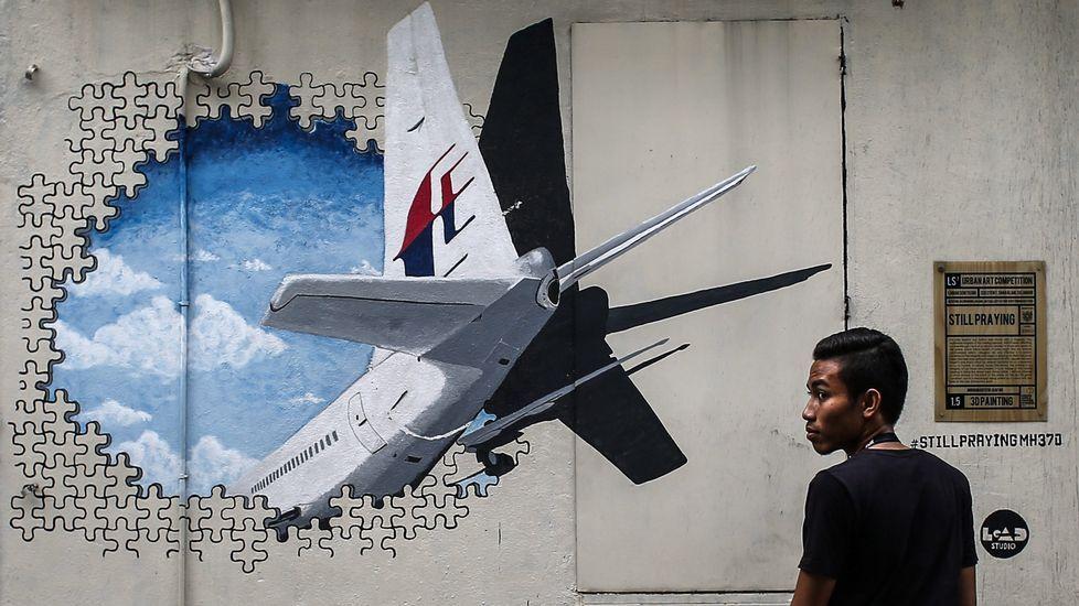 Los peores accidentes de avión de los últimos dos años: más de 1.200 muertos.Mural en recuerdo del vuel MH370