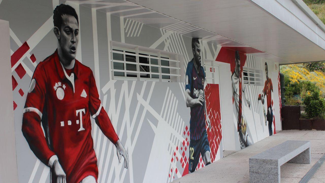 El campo nigranés de Condomínguez estrena murales