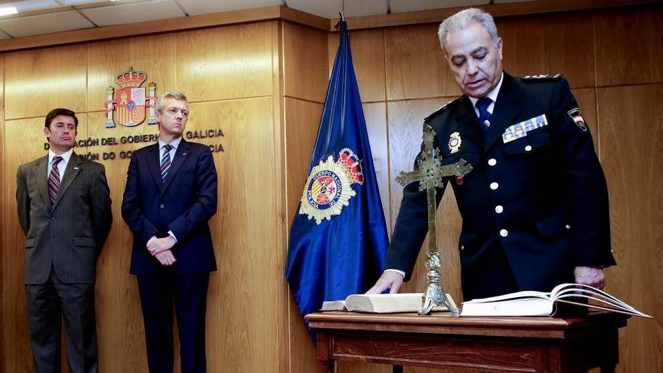 Despliegue policial en Santiago para detener a un miembro de Resistencia Galega.María Osorio, en una videoconferencia el pasado día 7