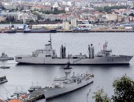 El «Patiño», en la fotografía, saliendo de la ría de Ferrol para realizar un operativo.