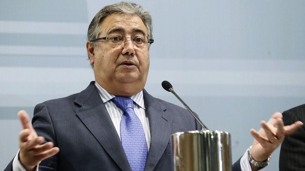 Zoido: «Procuraré que no haya más 'pendrives' sin custodia».El ministro del Interior, Juan Ignacio Zoido