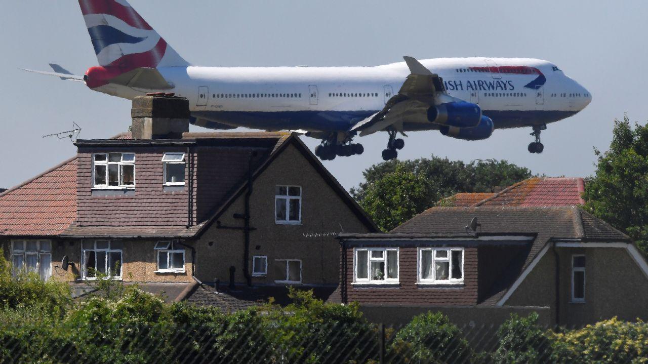 Un avión de British Airways aterriza en Heathrow