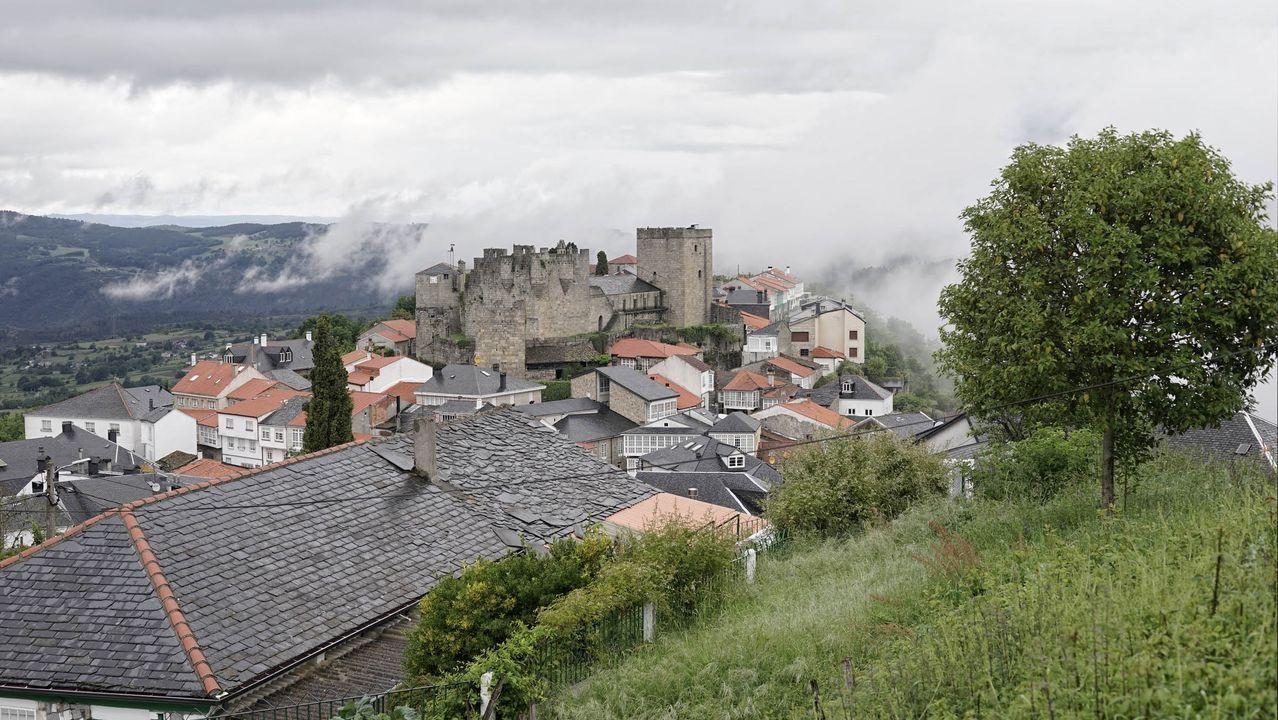 Fortaleza de Castro Caldelas, en la Ribeira Sacra ourensana