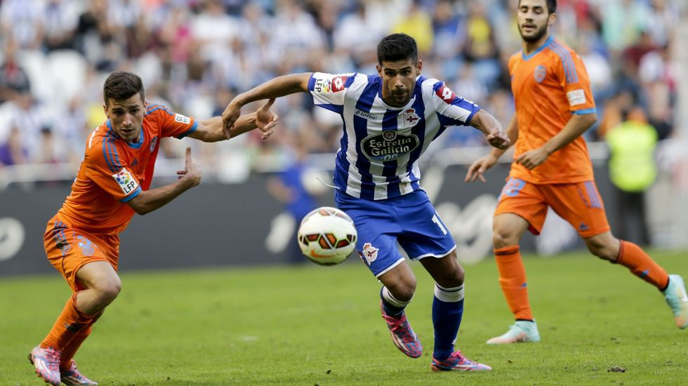 Juanfran Moreno, uno de los fichajes que más peso tuvo esta temporada, bien como lateral o como interior derecho.