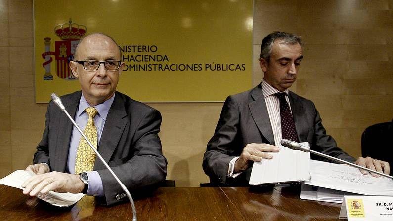 El ministro Montoro junto al secretario de Estado de Hacienda, Miguel Ferré